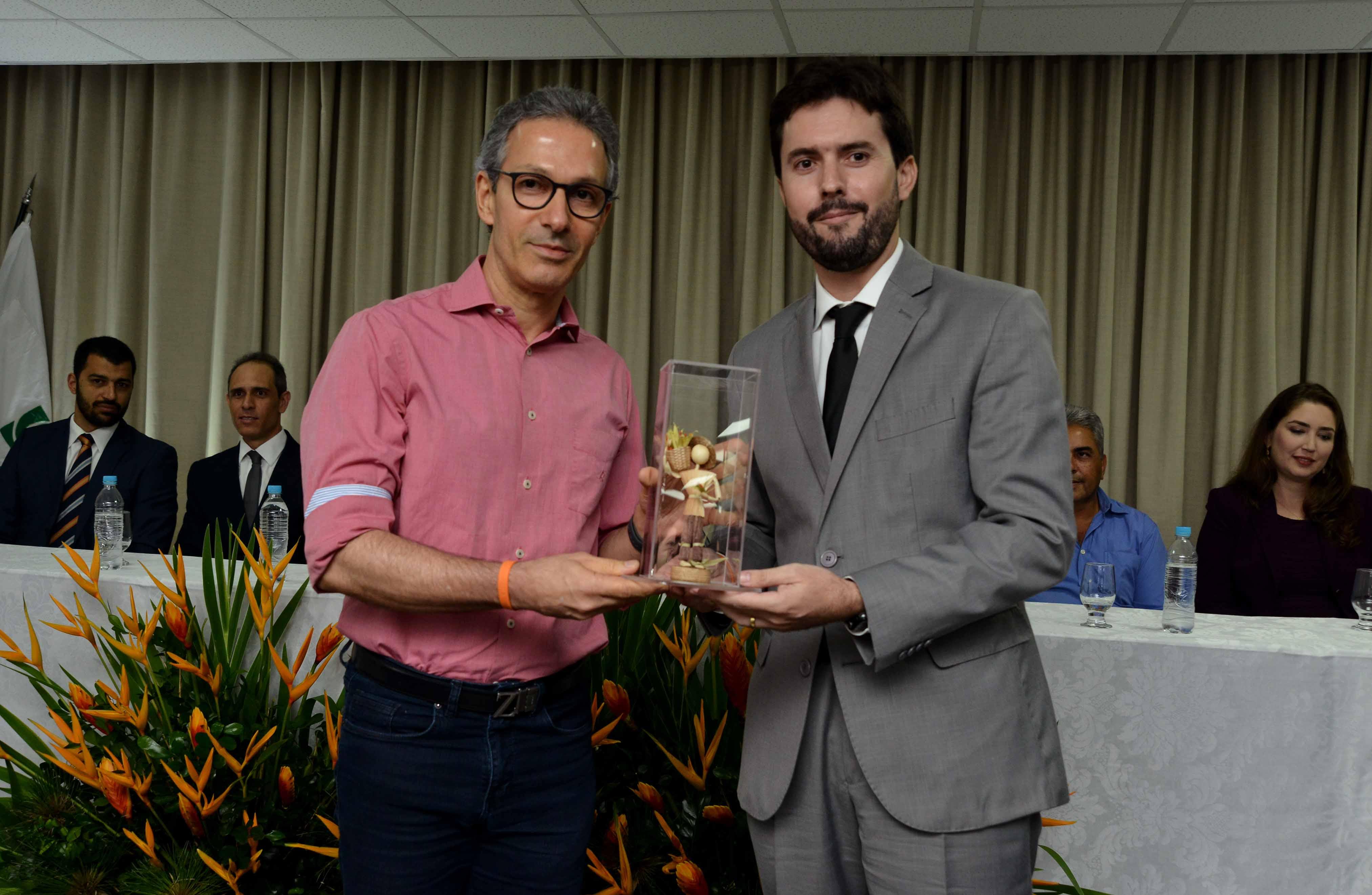 Romeu Zema visita Patos de Minas e destaca ações dos 80 dias de gestão