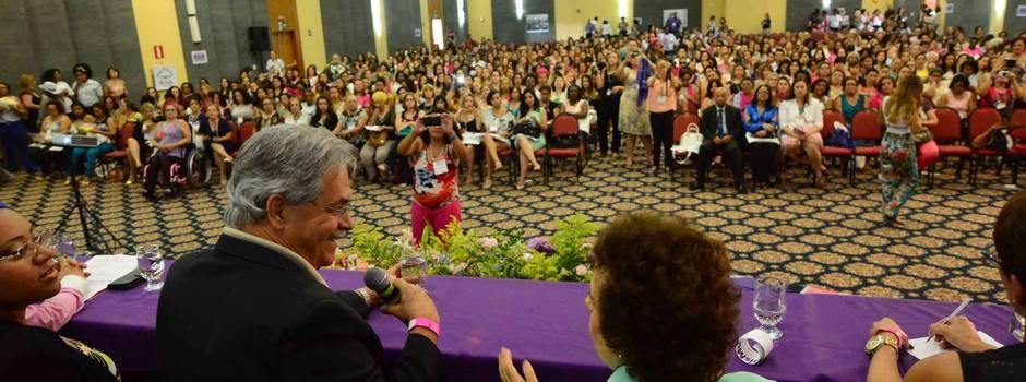 Minas quer fortalecer as políticas de combate à violência contra a mulher